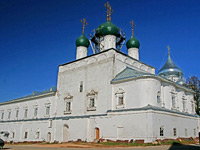 Переславль-Залесский. Трапезная палата рядом с Благовещенской церковью.