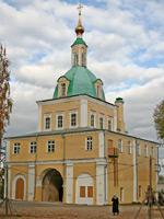 Переславль-Залесский. Надвратная церковь Петра и Павла.
